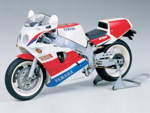 Yamaha FZR 750R