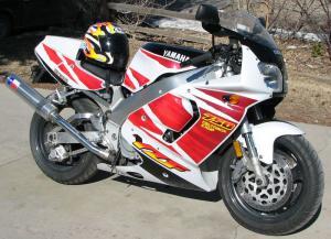 Yamaha YZF 750R